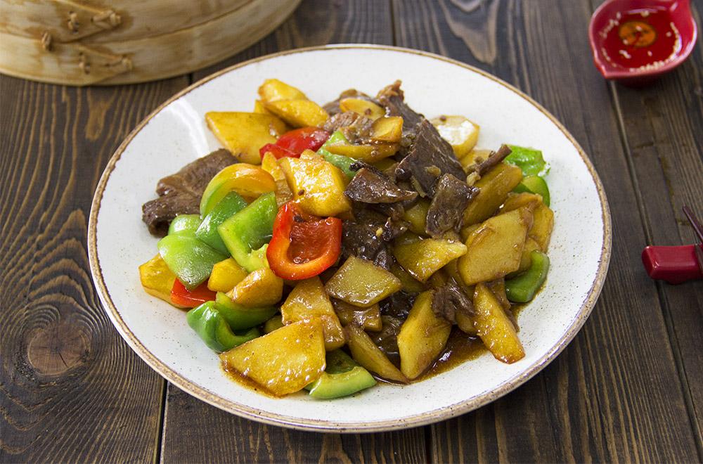 Говядина с картофелем в соусе